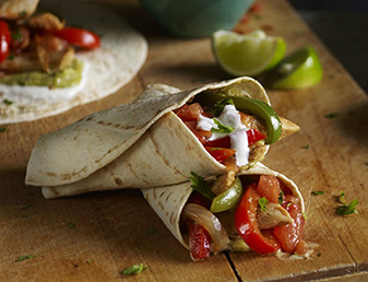 smoky bbq chicken fajitas